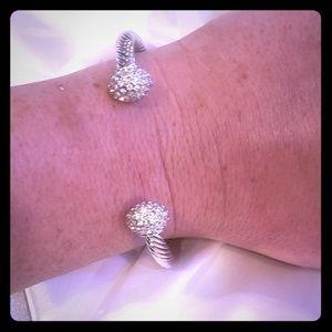 STUNNING Swarovski bracelet